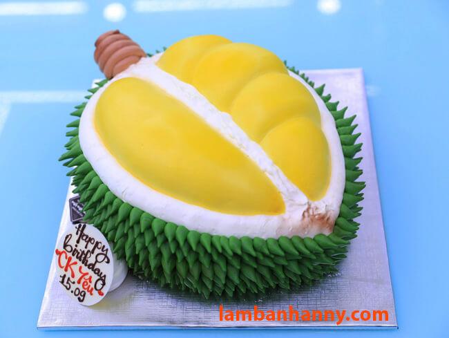 Bánh kem sinh nhật sử dụng Màu thực phẩm Wilton