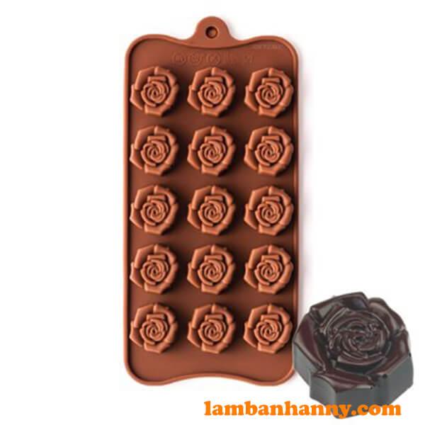 Cánh hoa hồng được thiết kế tỉ mỉ và sắc nét