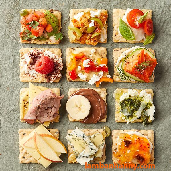 Cream Cheese sử dụng trực tiếp với bánh Cracker biến tấu cùng nhiều nguyên liệu khác nhau