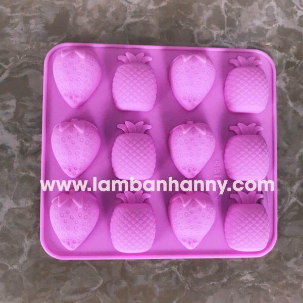 Khuôn bánh silicon hình trái cây dâu thơm