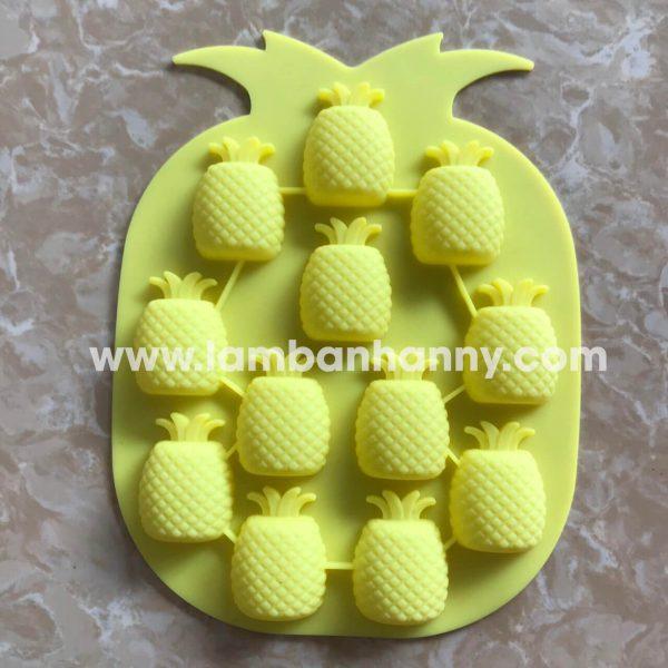 Khuôn bánh silicon hình trái thơm