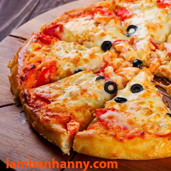 Lá thơm Basil được sử dụng nhiều trong làm bánh Pizza