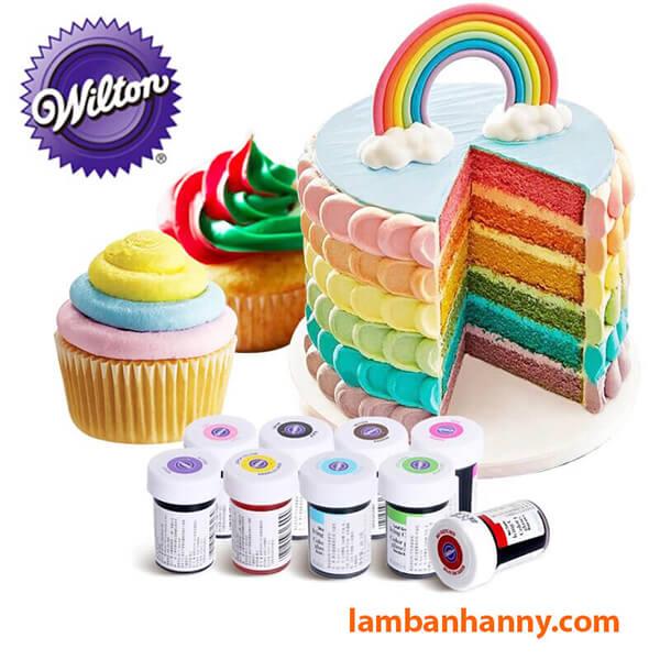 Màu thực phẩm Wilton giúp chiếc bánh lên màu được chính xác hơn