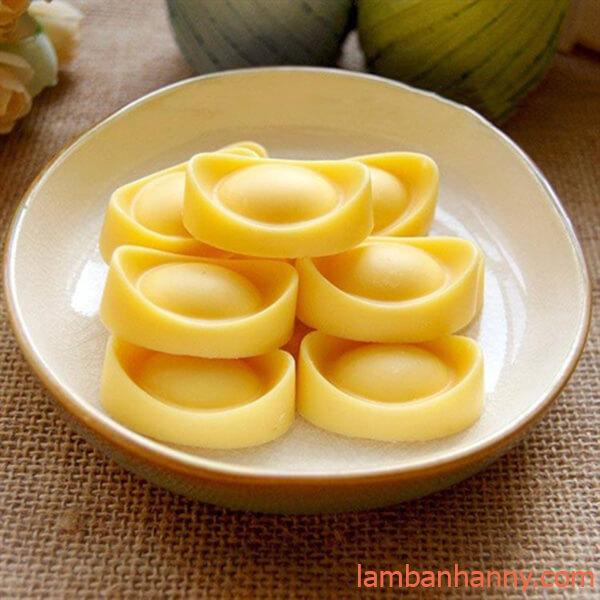 bánh đậu xanh hình thỏi vàng