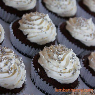 bánh cupcake bi bạc