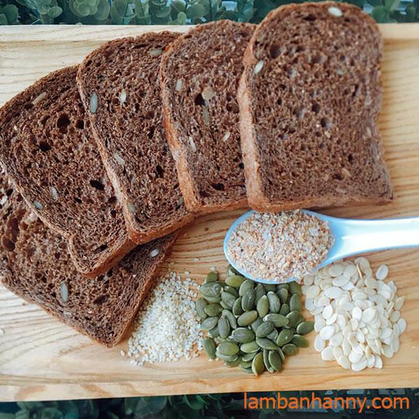 bánh mì lúa mạch đen nguyên cám