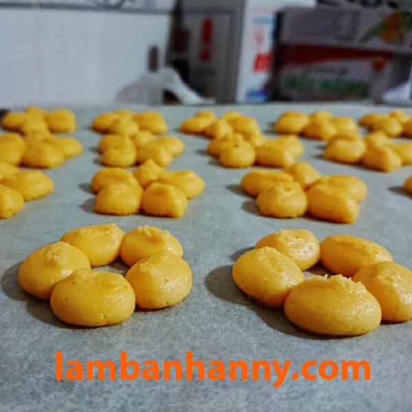 Nặn bánh quy dễ dàng với Cookie Press