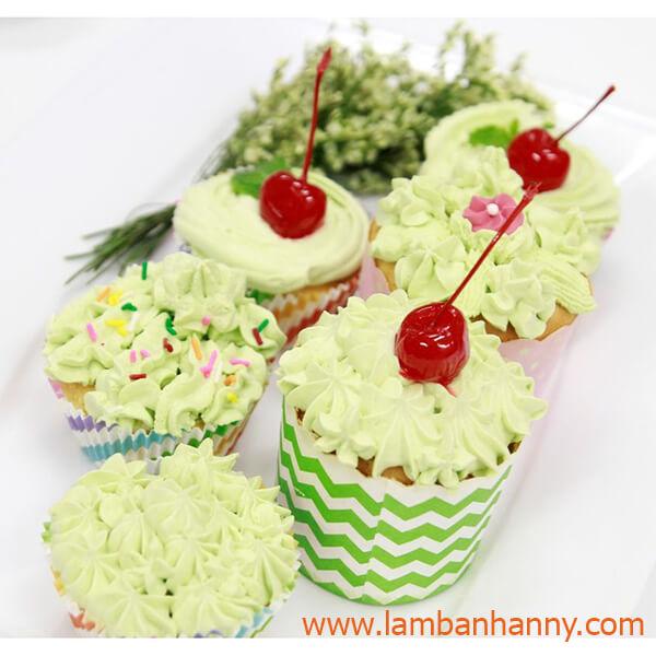 bat-kem-cupcake