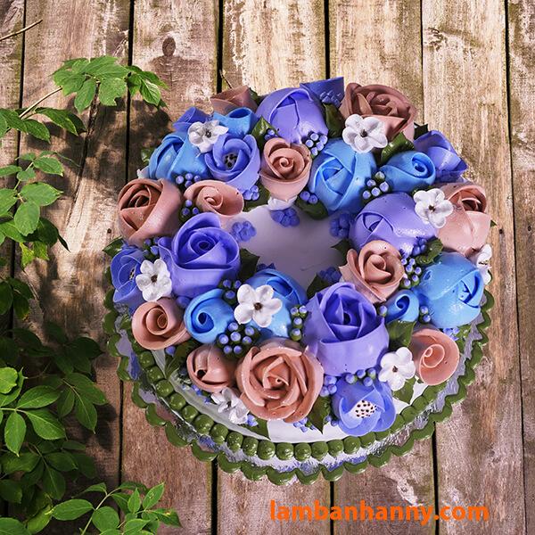 Bánh kem trang trí hình hoa