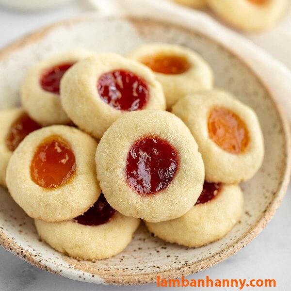 Bánh quy nhân mứt trái cây