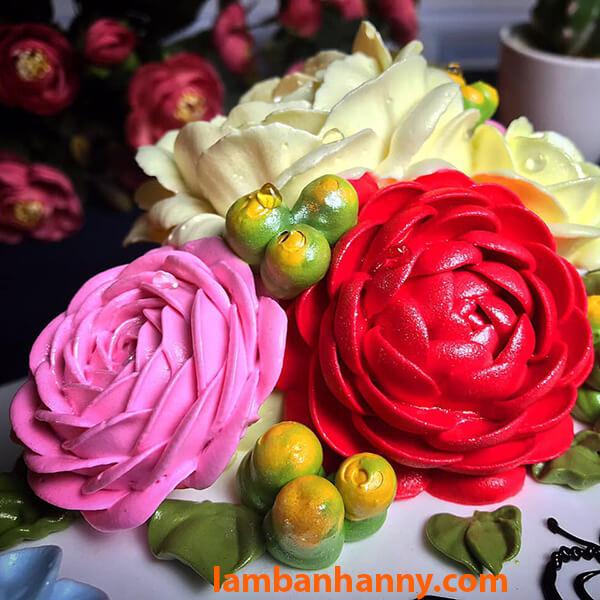Bông hoa hồng rực rỡ nhờ Màu thực phẩm Đỏ Rayner's