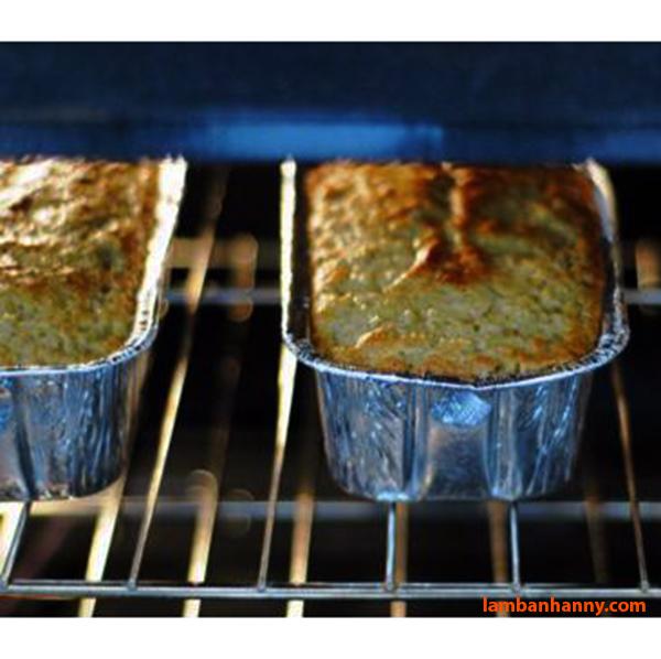 Có thể sử dụng Khay giấy nhôm trong lò nướng