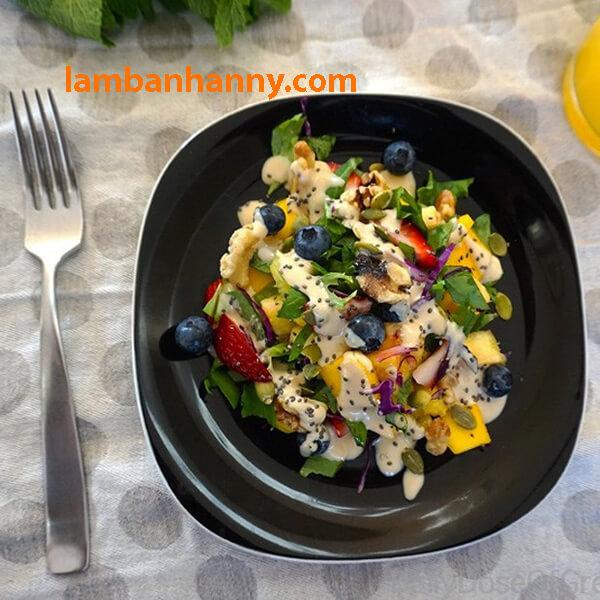 Hạt chia còn được sử dụng trong món Salad trộn nữa đấy!