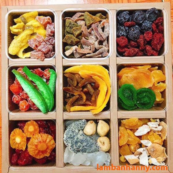 Hoặc bạn có thể mix cùng các loại trái cây sấy khác để làm thành quà biếu Tết