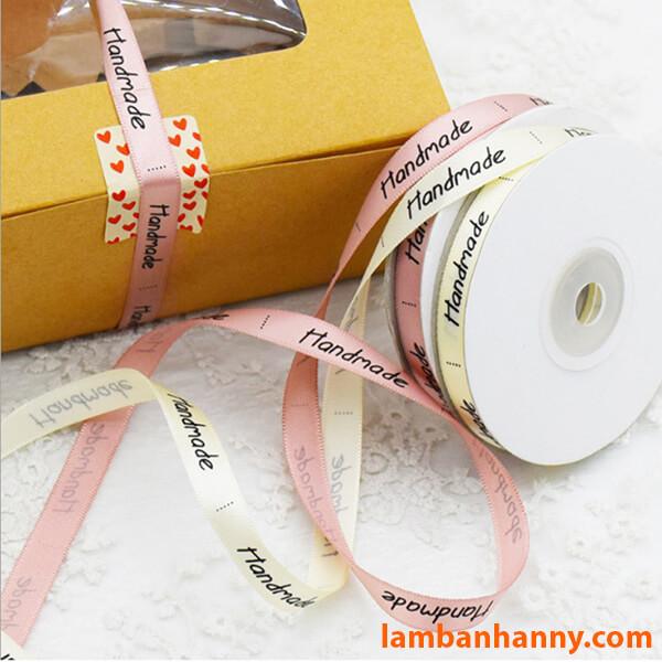 Sử dụng Ruy băng để buộc các túi, hộp đựng đồ dùng