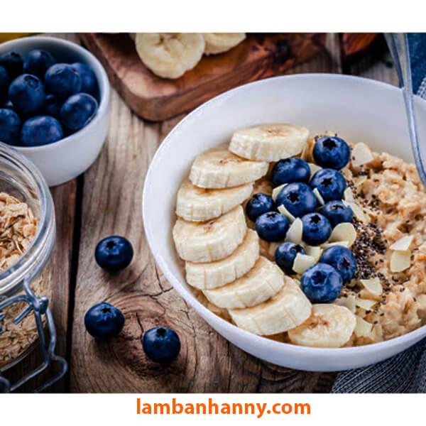 Yến mạch kết hợp trái cây và sữa tươi