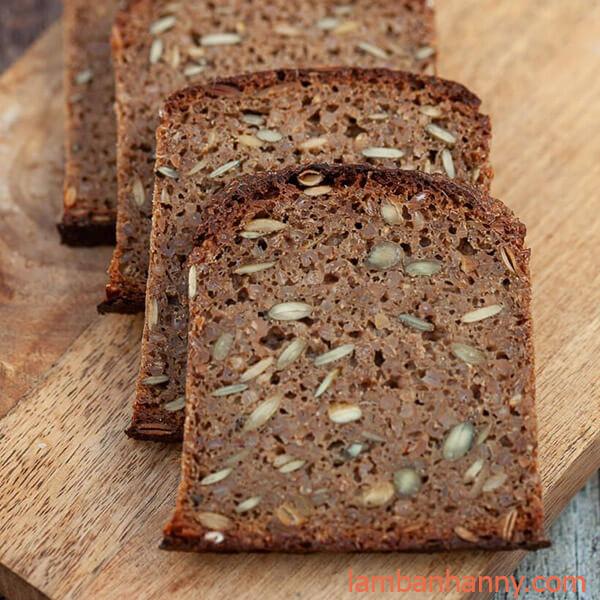 bánh mì ngũ cốc lúa mạch đen