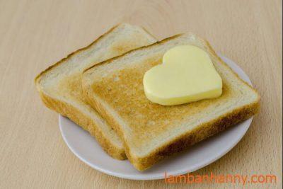 bánh mì phết bơ