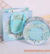 Hộp thiếc tròn đựng bánh kẹo Camellia màu xanh 300gr