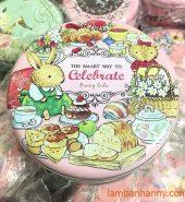 Hộp thiếc tròn đựng bánh Celebrate 500gr