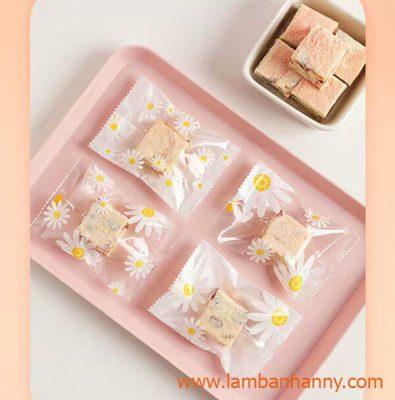 túi đựng bánh hình hoa cúc good luck