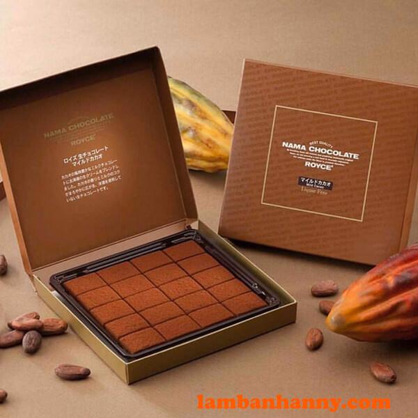 Đựng nama chocolate vào hộp là bạn sẽ có một món quà tặng người thân thật ý nghĩa rồi đấy