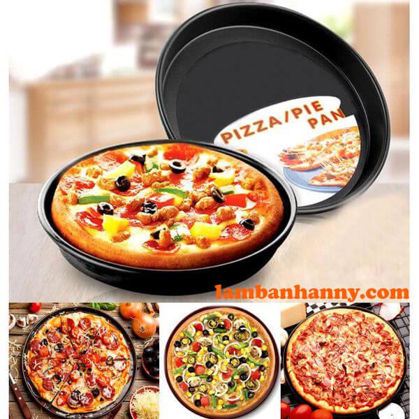 Khuôn pizza dày dặn với lớp chống dính tiện dụng