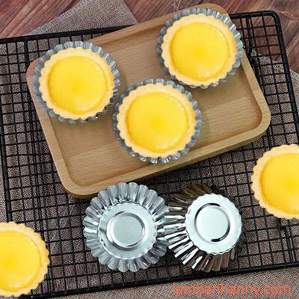 bánh tart trứng viền hoa