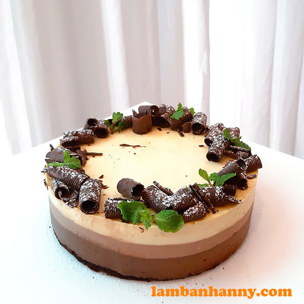 Bánh mousse socola 3 tầng