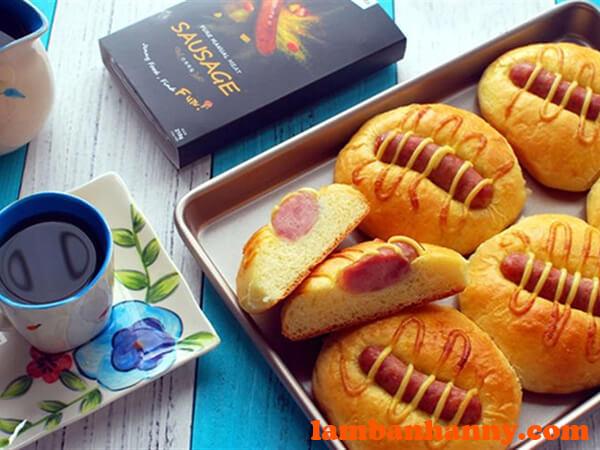 Bánh mì xúc xích đơn giản