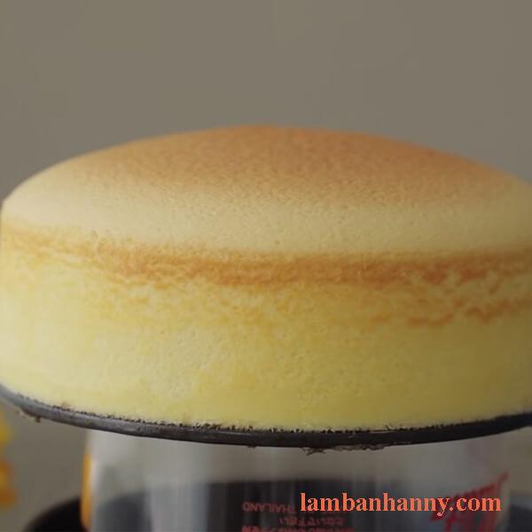 Cách làm bánh bông lan phô mai cam mềm mịn dễ làm 3