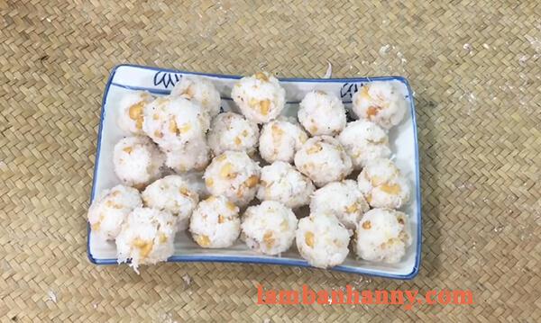 2 Cách làm bánh ít trần lá dứa nhân dừa và nhân đậu xanh đơn giản 3