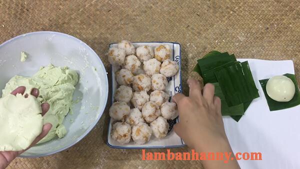 2 Cách làm bánh ít trần lá dứa nhân dừa và nhân đậu xanh đơn giản 4