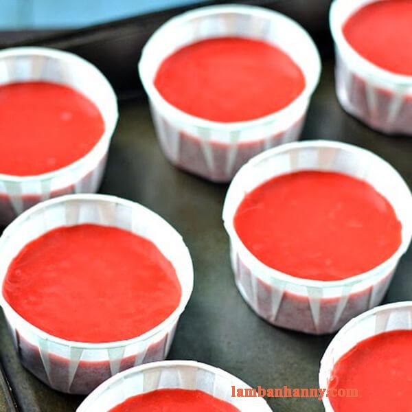 Cách làm bánh cupcake red velvet kem phô mai đầy hấp dẫn và quyến rũ 3