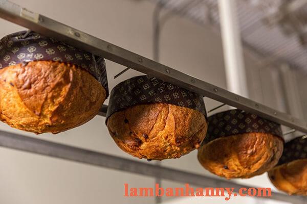 Cách làm bánh panettone khổng lồ thơm ngon lạ miệng 8