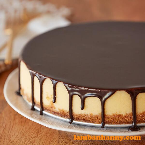 Ganache phủ bánh sinh nhật