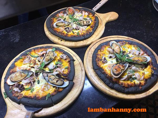 Pizza tinh than tre hải sản