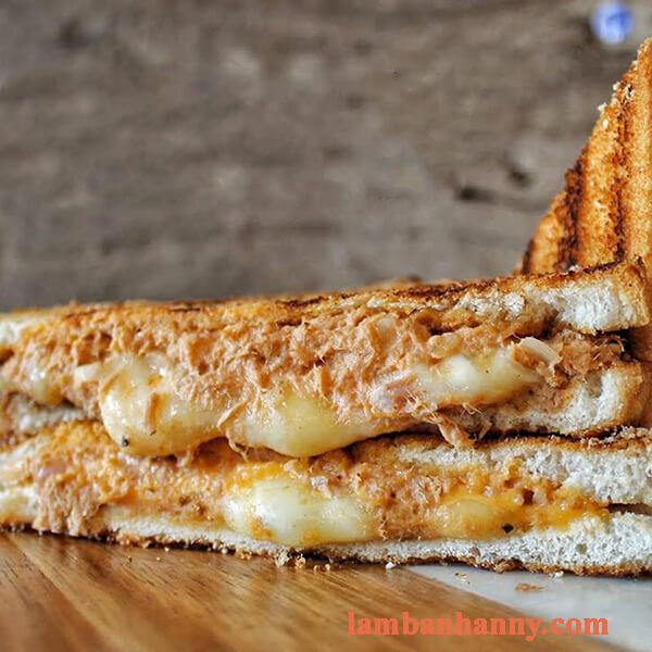 3 cách làm bánh sandwich cá ngừ dinh dưỡng thơm ngon đơn giản tại nhà 3