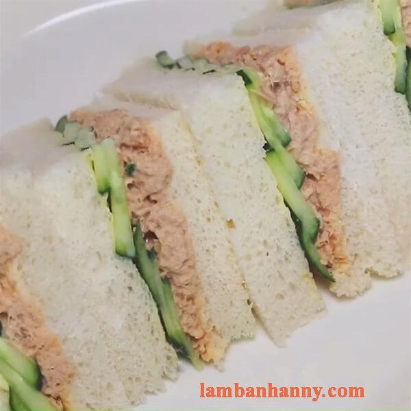 3 cách làm bánh sandwich cá ngừ dinh dưỡng thơm ngon đơn giản tại nhà 5