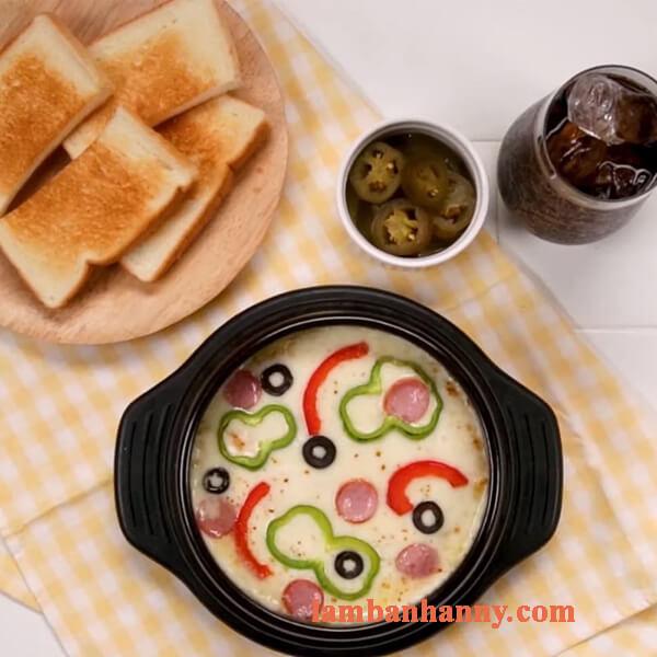 Bật mí 2 cách làm bánh pizza đơn giản với khoai lang cực thơm ngon tại nhà 4