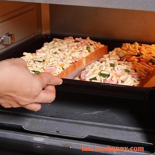 Bật mí 2 cách làm bánh pizza sandwich thơm ngon bỗ dưỡng cho mỗi buổi sáng 3