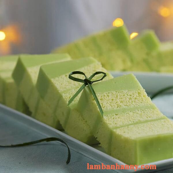 Bật mí cách làm bánh bông lan lá dứa nhiều lớp thơm ngon hấp dẫn không cần lò nướng 3