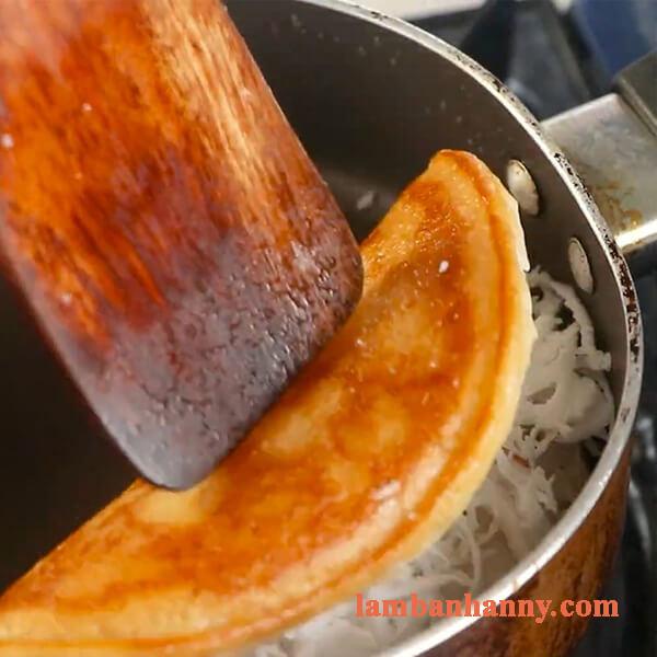 Cách làm bánh bò nướng nhân dừa bằng chảo thơm ngon đơn giản 6