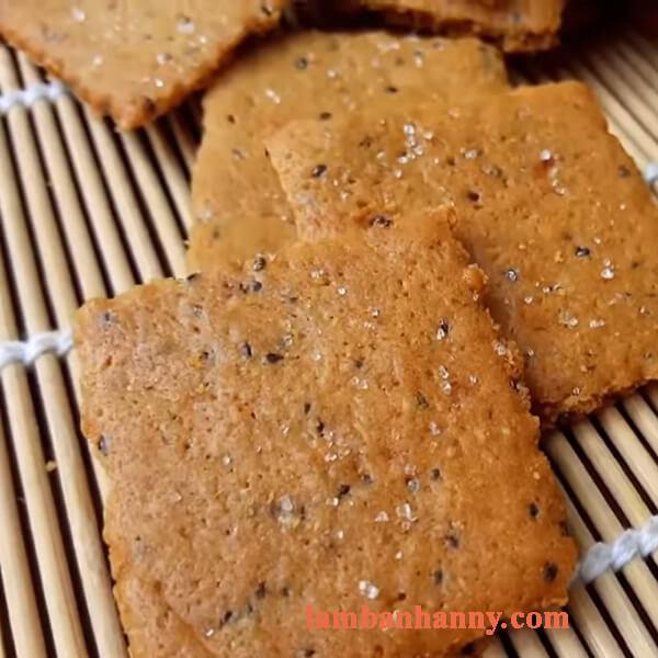 Hướng dẫn 2 cách làm bánh qui hạt chia dừa cà phê và trứng muối thơm béo dễ làm 4