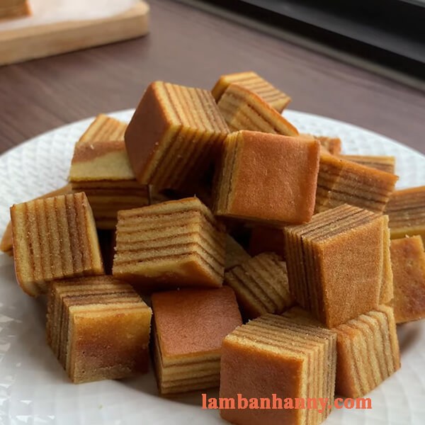 Hướng dẫn cách làm bánh bông lan bơ ngàn lớp thơm ngon khó cưỡng 5