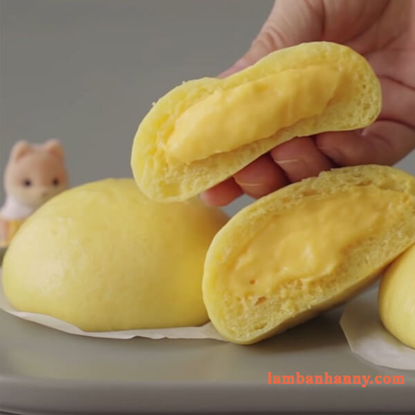 Hướng dẫn cách làm bánh bao nhân custard chuối thơm ngon béo ngậy 6