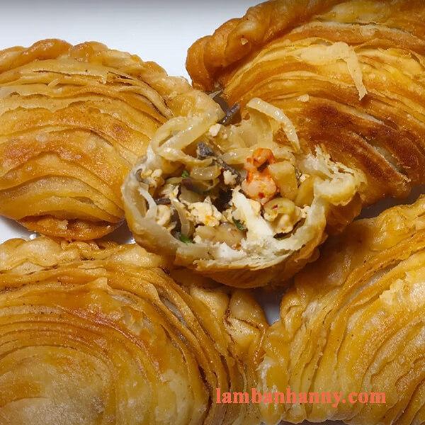 Hướng dẫn cách làm bánh gối vỏ sò nhân tôm thịt đơn giản thơm ngon tại nhà 5