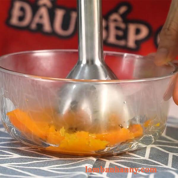 Hướng dẫn cách làm muffin cà rốt chà là thơm ngon bỗ dưỡng 3