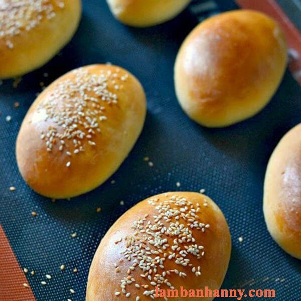Hướng dẫn làm bánh mì ruốc mềm mại thơm ngon hấp dẫn tại nhà 8