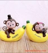 Cặp khỉ ôm chuối trang trí bánh